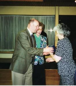 TB DICK_1998 - Lorna & Jack & Kay Adams_350x400_457